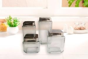 4 frascos de vidrio con tapa en sucursal por 390$