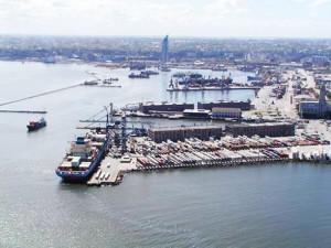 Impacto en Uruguay de la prohibición argentina de hacer transbordo de mercaderías en terminales portuarias