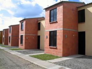 Beneficios de invertir en viviendas de interés social en Uruguay