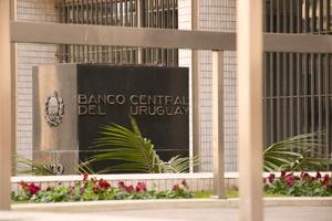 Condiciones para la inversión extranjera en el sistema bancario uruguayo