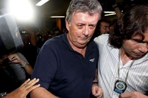 Todo queda en Familia: Hijo de Grondona y sobrino Blatter implicados en escándalo por reventa de entradas