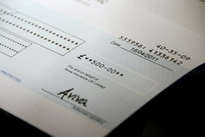 Como llenar un cheque en Uruguay