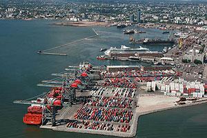 Montevideo entre los principales puertos de la región
