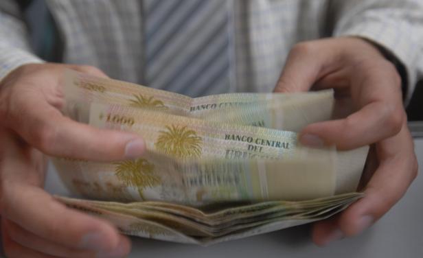 03-08-2015 Formas de cobrar tu sueldo en Uruguay