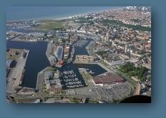 http://www.survoldefrance.fr/affichage2.php?&lieu=Dunkerque&f=0&img=6675&prev_suiv_link=1
