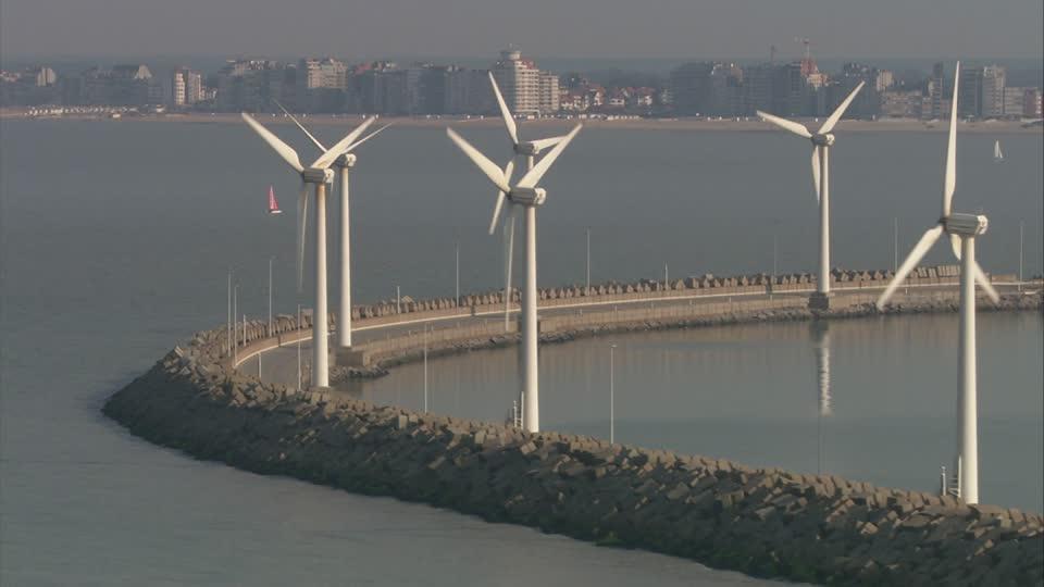 http://footage.framepool.com/es/bin/145852,puerto,zeebrugge,b%C3%A9lgica,vista+a%C3%A9rea/
