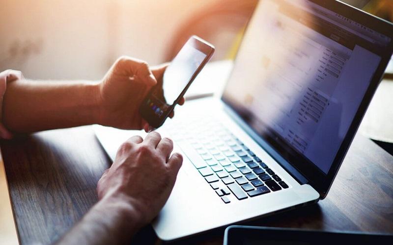Usuario accede a un préstamo online